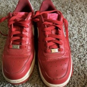 Nike Air Force 1 Red Low Women's 8. Pre-owned.